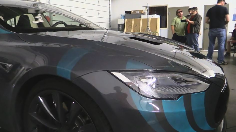 Tesla Model S with electroluminescent paint
