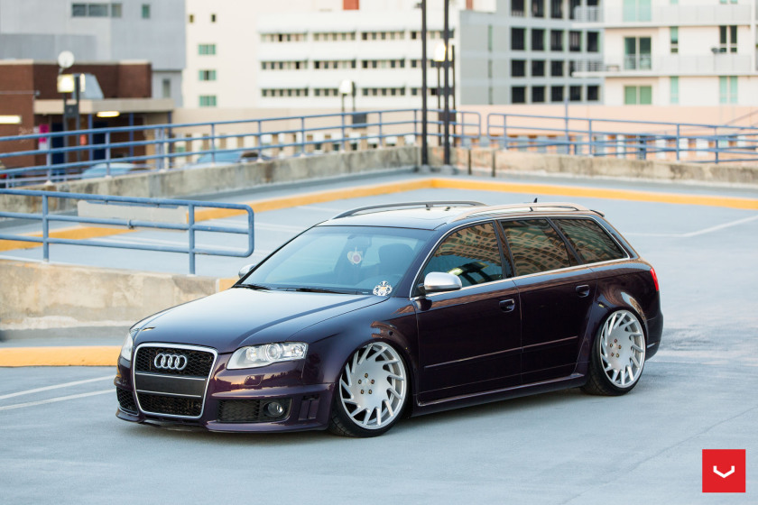 Audi RS4 Rides on Vossen Wheels, Video Revealed