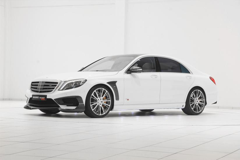 Brabus Rocket 900 Revs Engine in Video