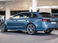 Audi RS6 Exclusive Looks Smashing in Polarblau