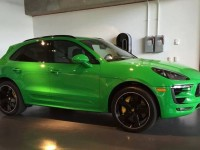 Viper Green Porsche Macan Is an Exclusive Ride