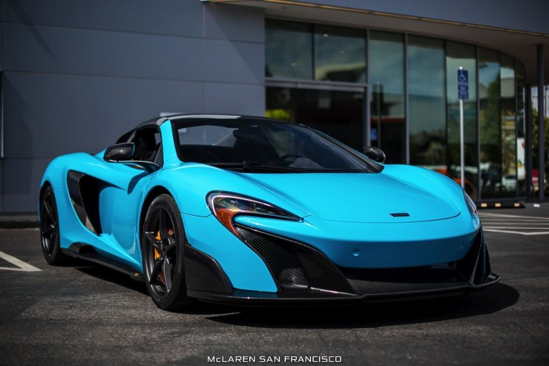 Photo Gallery: McLaren 675LT Spider in Fistral Blue Looks Quite Exotic