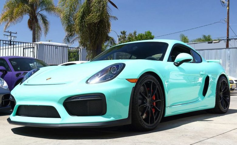Porsche Cayman GT4 with Mint Green Wrap Is a Real Eye-Catcher