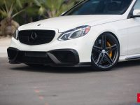 Video: Mercedes E63 Wagon on Vossen Wheels, Installation by RENNtech Tuning