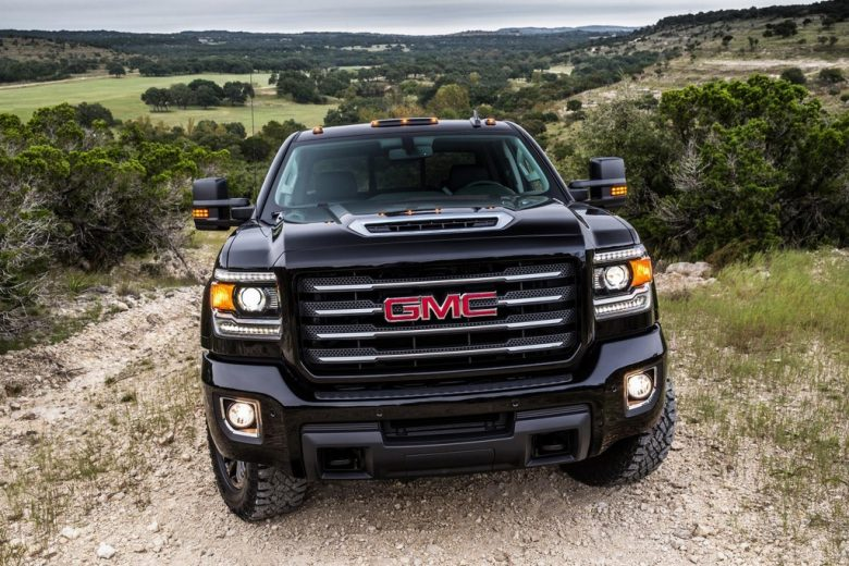 GMC`s 2017 Sierra All Terrain X IS Really Appealing with the Massive Design