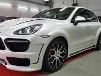 Porsche Cayenne Gets Prior Design Wide Aero Kit from NRW