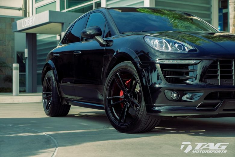 Porsche Macan by TAG Receives Black Aero Treatment from Techart