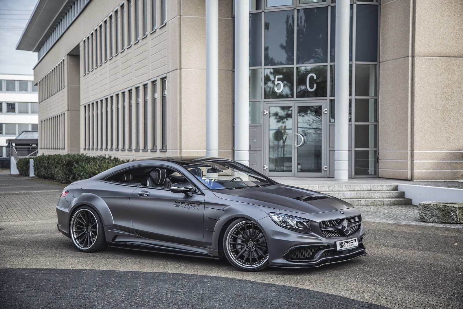 mercedes benz s class coupe looks dangerous with prior design s wide pd75sc body kit carz tuning. Black Bedroom Furniture Sets. Home Design Ideas