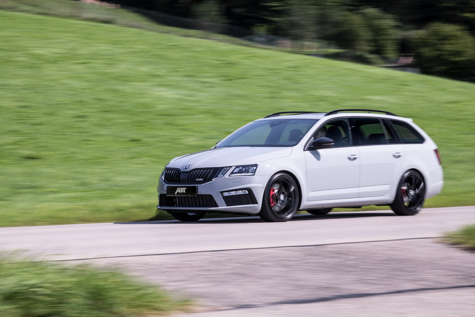 this is skoda octavia rs by abt sportsline outputs 315 hp carz tuning. Black Bedroom Furniture Sets. Home Design Ideas