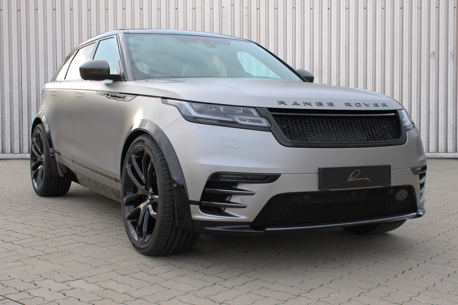 range rover velar by lumma design carz tuning. Black Bedroom Furniture Sets. Home Design Ideas