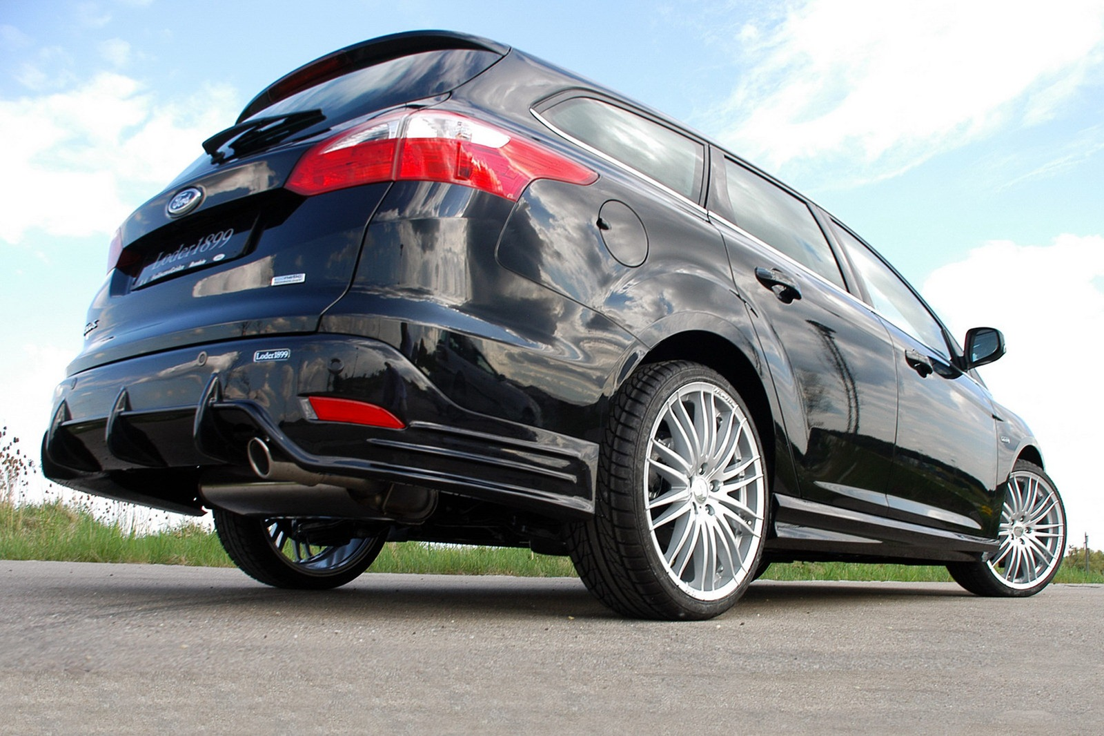 Loder1899 presents Ford Focus Estate tuning kit