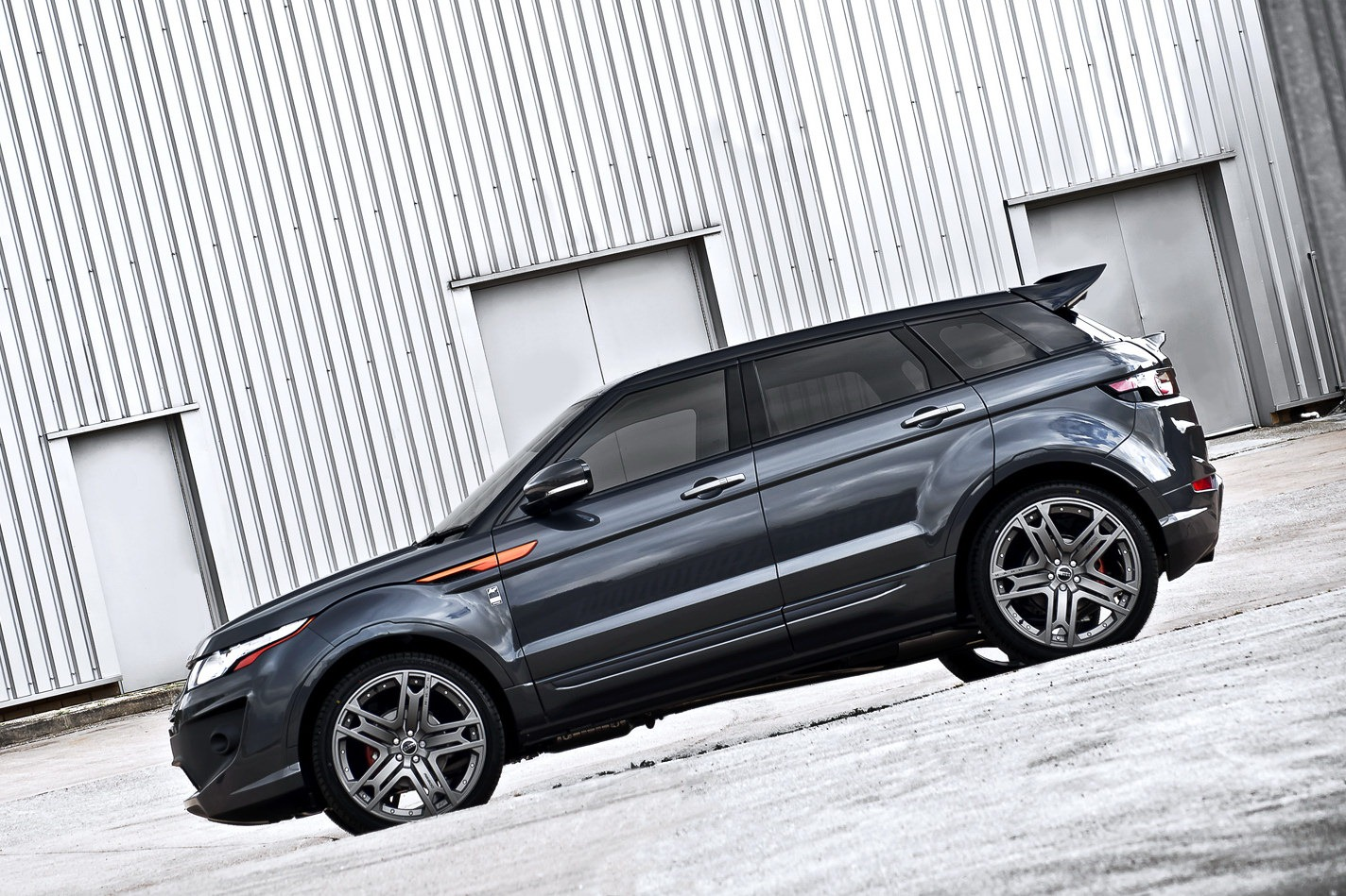 Kahn Design unveils Range Rover Evoque RS250