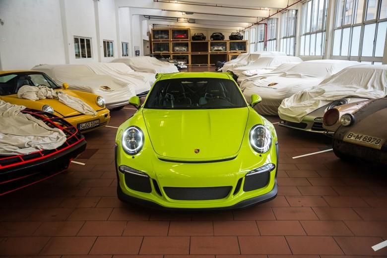Birch Green Porsche 991 GT3 RS by Porsche Exclusive
