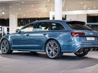 Audi RS6 Exclusive Looks Smashing in Polarblau